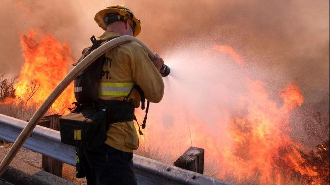 نجات معجزه آسای ۲ کودک از آتش سوزی مهیب در پامنار/ کولرها علت اصلی یک پنجم آتش سوزیها