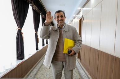 احمدی نژاد تهدید کرده بود کسی نباید با رسانههای خارجی گفتگو کند|خبر فوری
