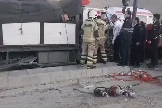 ببینید | تصادف سنگین با کامیون در مسیر غرب به شرق بزرگراه یاسینی