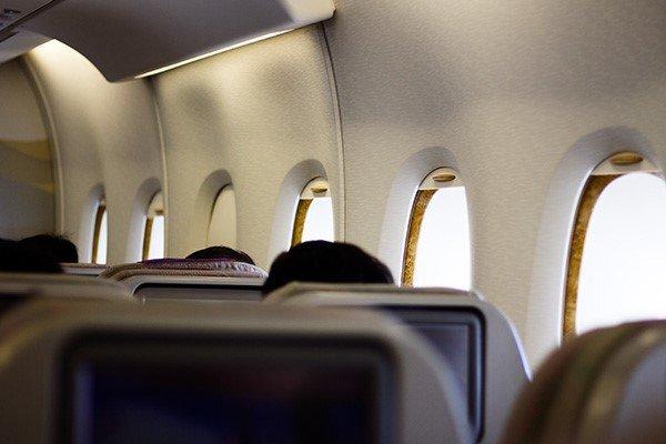 پراید را همردیف بنز میفروشند، بلیت هواپیمای از رده خارج را هم بالاتر از نرخ جهانی