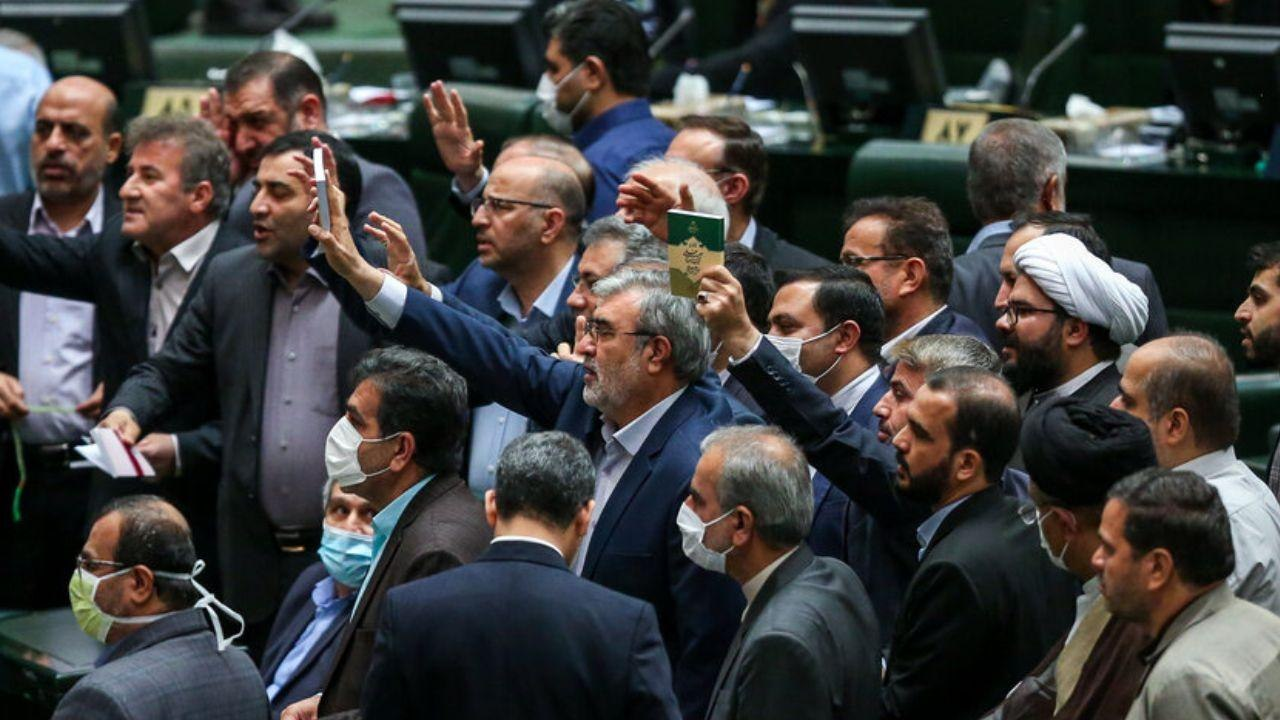 چرا قالیباف در برابر توهین نمایندگان به روحانی سکوت کرده است؟|خبر فوری