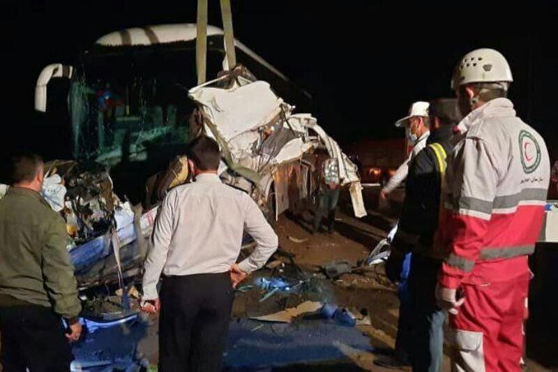 تصادف, اتوبوس به کیوسک عوارض زد؛ ۱۳ نفر مجروح شدند, رسا نشر - خبر روز