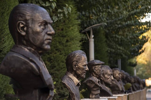 مجسمه, ببینید | انتقاد تند علی نصیریان به ساخت مجسمهاش در خانه هنرمندان, رسا نشر - خبر روز
