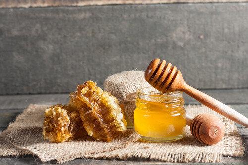 , عسل و سیاهدانه درمانی احتمالی برای بیماران مبتلا به کرونا, رسا نشر - خبر روز