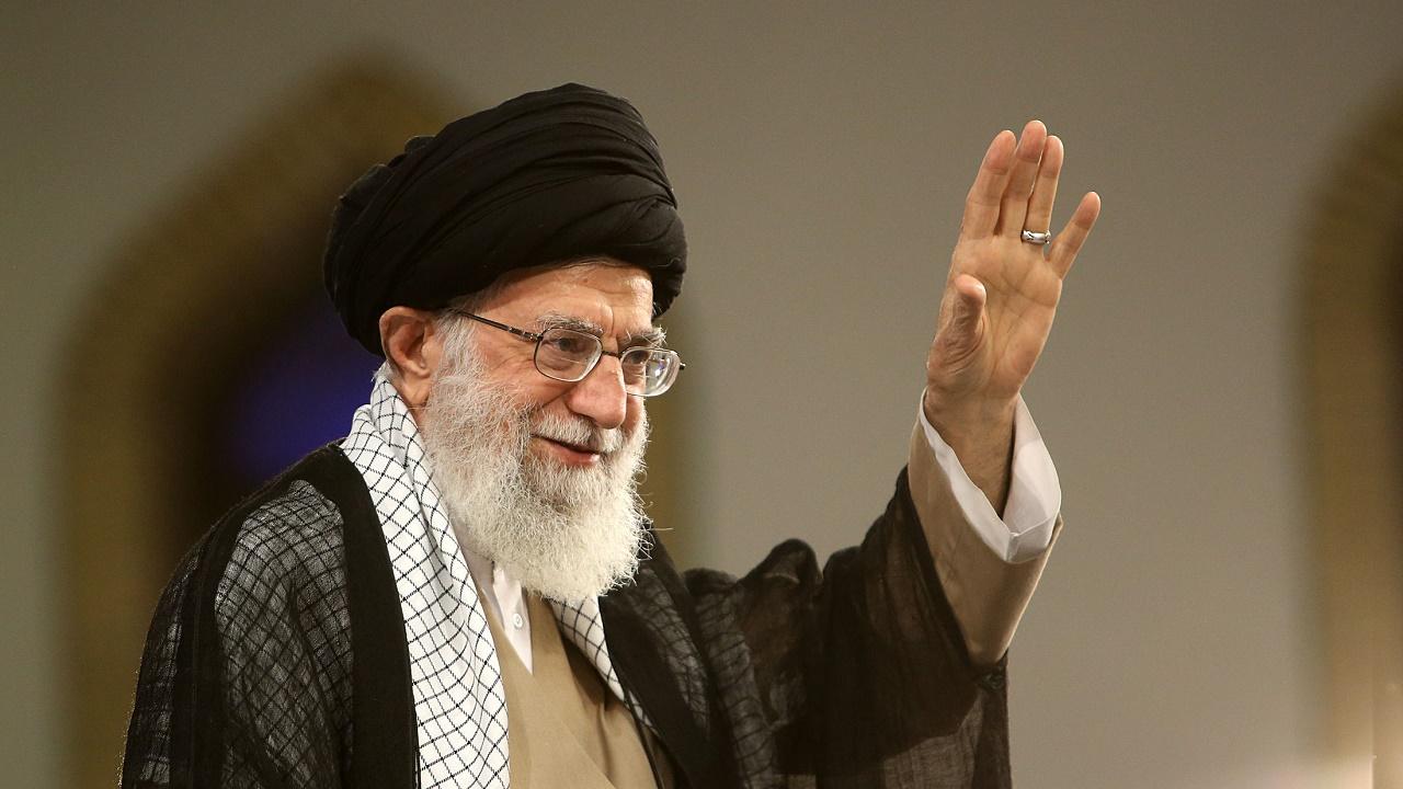 نام کتابی که رهبر انقلاب در سخنرانی ۱۳ آبان به آن اشاره کردند|خبر فوری
