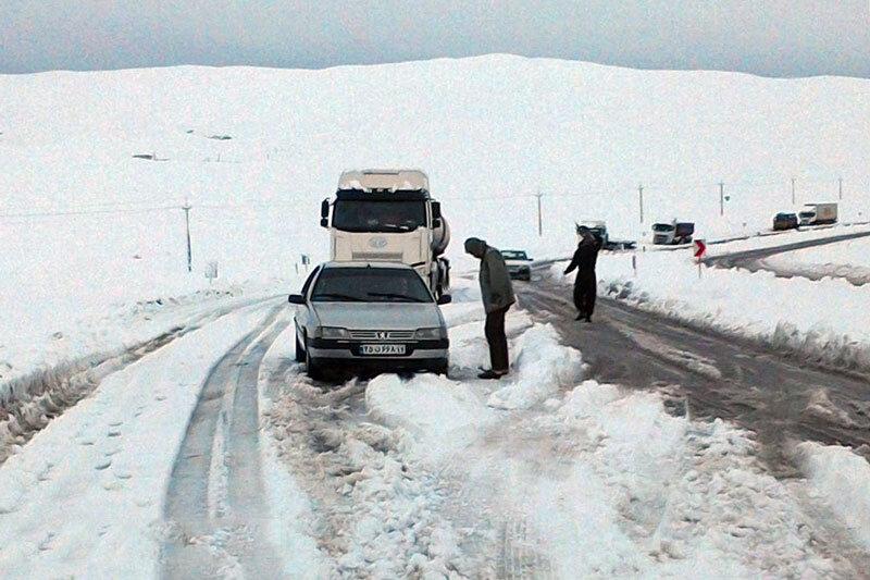 هلال احمر: ۱۱ استان درگیر برف و کولاک است