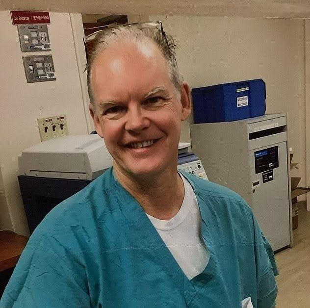 """واکسن فایرز, مرگ یک پزشک آمریکایی پس از تزریق واکسن """"فایزر"""", رسا نشر - خبر روز"""