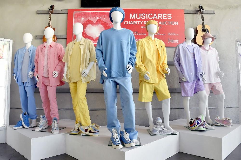 حراج لباسهای رنگی گروه BTS در موزیک ویدیوی Dynamite به قیمت ۱۶۲,۵۰۰ دلار خبر فوری