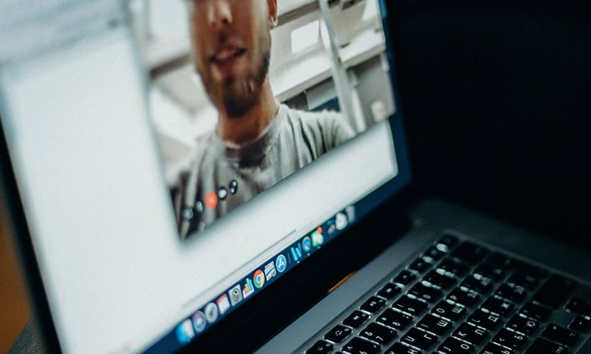 وب کم, آیا باید بر روی وب کم لپ تاپ خود چسب بزنید؟, رسا نشر - خبر روز