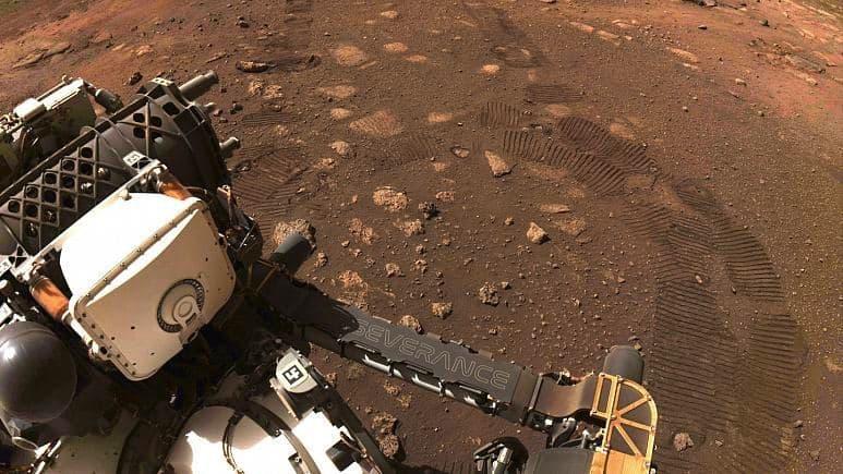 مریخ ناسا, حرکت چند متری مریخنورد ناسا روی سیاره سرخ/ عکس اثر چرخها به زمین مخابره شد, رسا نشر - خبر روز