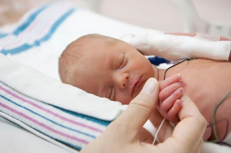 تأثیر صدای مادر بر آرامش نوزادان نارس